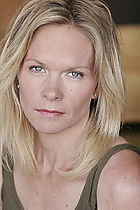 Actor Lindsay Frost