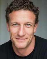 Actor Mike Edward