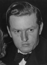 Actor Arnold Lucy