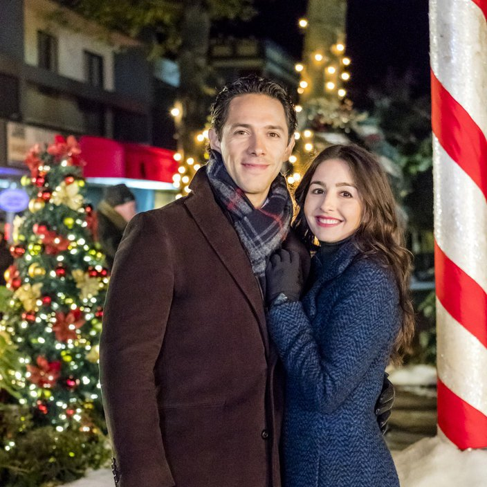 Watch A Joyous Christmas 2017 Full Movie Online Or